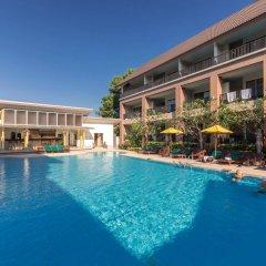 Отель Au Thong Residence бассейн