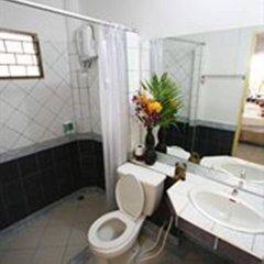 Отель Lanta Palace Resort And Beach Club Таиланд, Ланта - 1 отзыв об отеле, цены и фото номеров - забронировать отель Lanta Palace Resort And Beach Club онлайн ванная фото 2