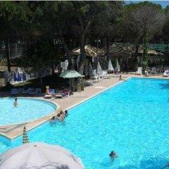 Отель Marea Resort бассейн