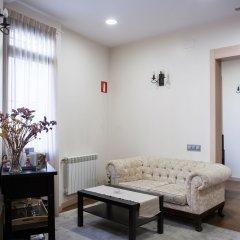 Отель Hostal Excellence Барселона комната для гостей