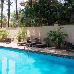 Отель Park Inn by Radisson, Lagos Victoria Island Нигерия, Лагос - отзывы, цены и фото номеров - забронировать отель Park Inn by Radisson, Lagos Victoria Island онлайн бассейн фото 2