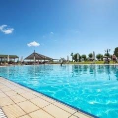 Отель Apollo Beach бассейн
