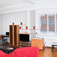 Апартаменты AHOSTEL комната для гостей