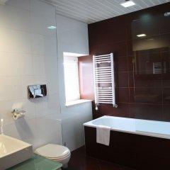 Отель Strimon Garden SPA Hotel Болгария, Кюстендил - 1 отзыв об отеле, цены и фото номеров - забронировать отель Strimon Garden SPA Hotel онлайн ванная фото 2