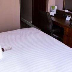 Отель Doubletree by Hilton London Marble Arch сейф в номере