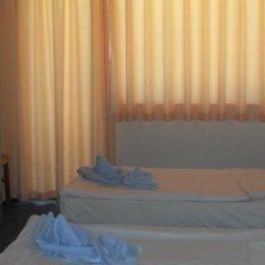 Отель Amigos - Full Board Болгария, Аврен - отзывы, цены и фото номеров - забронировать отель Amigos - Full Board онлайн сейф в номере