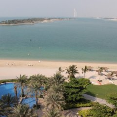 Отель Royal Club at Palm Jumeirah ОАЭ, Дубай - 5 отзывов об отеле, цены и фото номеров - забронировать отель Royal Club at Palm Jumeirah онлайн пляж фото 2