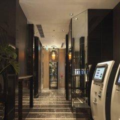 APA Hotel Higashi Shinjuku Ekimae банкомат