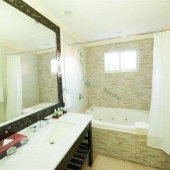 Отель Jewel Paradise Cove Beach Resort & Spa - Curio Collection by Hilton ванная