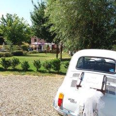 Отель La Valle di Monna Lisa парковка