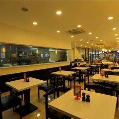 Отель Cafe Aroma Inn гостиничный бар