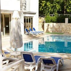 Отель Villa Adora Beach бассейн