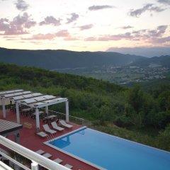 Отель Bevilacqua Apartments Черногория, Будва - отзывы, цены и фото номеров - забронировать отель Bevilacqua Apartments онлайн бассейн фото 2
