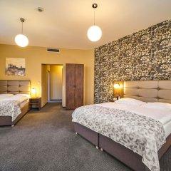 Hotel Victoria Прага сейф в номере