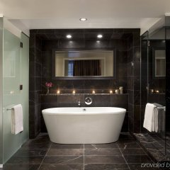 Отель Rosewood Hotel Georgia Канада, Ванкувер - отзывы, цены и фото номеров - забронировать отель Rosewood Hotel Georgia онлайн ванная