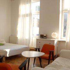 Отель Хостел Fabryka Польша, Варшава - 3 отзыва об отеле, цены и фото номеров - забронировать отель Хостел Fabryka онлайн комната для гостей фото 3