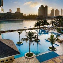 Отель Beach Rotana ОАЭ, Абу-Даби - 1 отзыв об отеле, цены и фото номеров - забронировать отель Beach Rotana онлайн бассейн фото 3