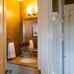 Отель Haddon House Bed & Breakfast Канада, Бурнаби - отзывы, цены и фото номеров - забронировать отель Haddon House Bed & Breakfast онлайн ванная