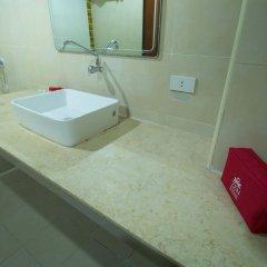 Отель Zen Rooms Surasak 2 Бангкок ванная