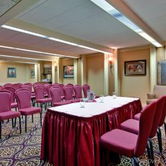 Отель Holiday Inn Express & Suites Charlottetown