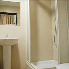 Отель Pensión Segre Испания, Барселона - 2 отзыва об отеле, цены и фото номеров - забронировать отель Pensión Segre онлайн ванная фото 2