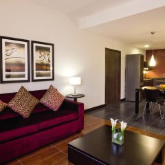 Movenpick Hotel Apartments Al Mamzar Dubai комната для гостей фото 4