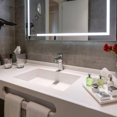 Отель NH Sanvy Испания, Мадрид - отзывы, цены и фото номеров - забронировать отель NH Sanvy онлайн ванная фото 2