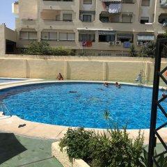 Отель Los Verdiales Торремолинос бассейн фото 2