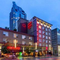 Отель Howard Johnson Hotel by Wyndham Vancouver Downtown Канада, Ванкувер - отзывы, цены и фото номеров - забронировать отель Howard Johnson Hotel by Wyndham Vancouver Downtown онлайн вид на фасад