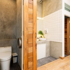 Отель Rotfai Hostel Таиланд, Бангкок - отзывы, цены и фото номеров - забронировать отель Rotfai Hostel онлайн ванная фото 2