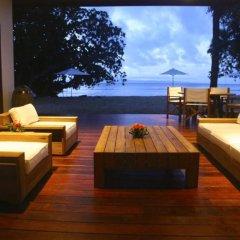Отель Tides Reach Resort Фиджи, Остров Тавеуни - отзывы, цены и фото номеров - забронировать отель Tides Reach Resort онлайн интерьер отеля