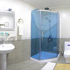 Отель HAYOT ванная фото 2