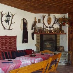 Отель Family Hotel Medven - 1 Болгария, Сливен - отзывы, цены и фото номеров - забронировать отель Family Hotel Medven - 1 онлайн питание фото 2