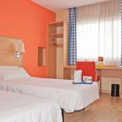 Hotel Travelodge Barcelona Fira комната для гостей фото 2