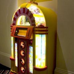 Отель Hard Days Night Hotel Великобритания, Ливерпуль - отзывы, цены и фото номеров - забронировать отель Hard Days Night Hotel онлайн удобства в номере фото 2