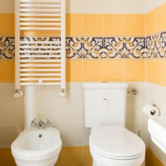 Отель Casa in Monti Guest House Рим ванная фото 2