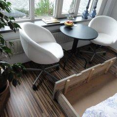 Отель Bed and Breakfast Amsterdam West балкон