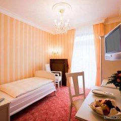 Отель Heliopark Bad Hotel Zum Hirsch Германия, Баден-Баден - 3 отзыва об отеле, цены и фото номеров - забронировать отель Heliopark Bad Hotel Zum Hirsch онлайн комната для гостей фото 5