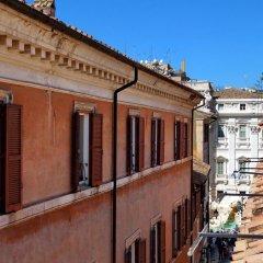 Апартаменты Trevi Stylish Apartment Рим балкон