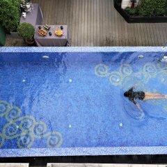 Отель Salil Hotel Sukhumvit - Soi Thonglor 1 Таиланд, Бангкок - отзывы, цены и фото номеров - забронировать отель Salil Hotel Sukhumvit - Soi Thonglor 1 онлайн бассейн фото 2