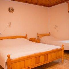 Отель Bobi Guest House Болгария, Копривштица - отзывы, цены и фото номеров - забронировать отель Bobi Guest House онлайн комната для гостей фото 3