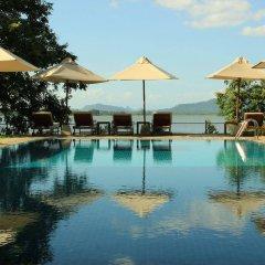 Отель Thaulle Resort бассейн