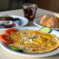 Second Home Hostel Стамбул питание