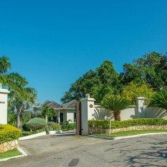 Отель Nianna Luxurious Villa парковка