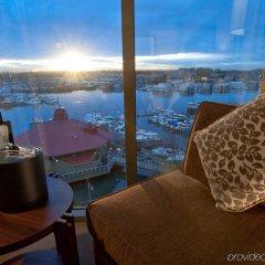Отель Pacific Gateway Hotel Канада, Ричмонд - отзывы, цены и фото номеров - забронировать отель Pacific Gateway Hotel онлайн балкон