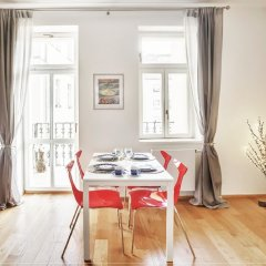 Апартаменты Charming Two-Bedroom Apartment Next To The Emmaus Abbey Прага в номере