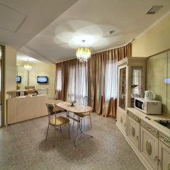 Гостиница Шале Грааль Апарт-Отель Украина, Трускавец - отзывы, цены и фото номеров - забронировать гостиницу Шале Грааль Апарт-Отель онлайн комната для гостей