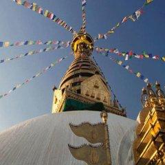 Отель Monkey Temple Homestay Непал, Катманду - отзывы, цены и фото номеров - забронировать отель Monkey Temple Homestay онлайн приотельная территория