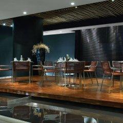 Отель Maya Kuala Lumpur Малайзия, Куала-Лумпур - 6 отзывов об отеле, цены и фото номеров - забронировать отель Maya Kuala Lumpur онлайн гостиничный бар
