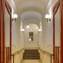 Отель Charles Bridge Premium Apartments Чехия, Прага - отзывы, цены и фото номеров - забронировать отель Charles Bridge Premium Apartments онлайн интерьер отеля фото 2